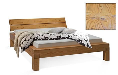 CURBY Balkenbett, 4-Fuß, Material Massivholz, rustikale Altholzoptik, Fichte gebürstet
