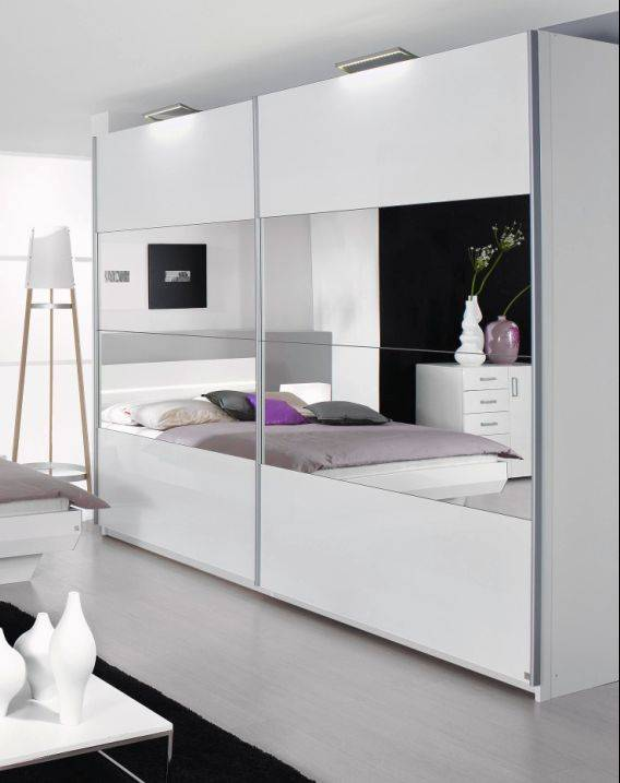 tassilo schwebet renschrank weiss hochglanz 181 cm mit spiegel. Black Bedroom Furniture Sets. Home Design Ideas