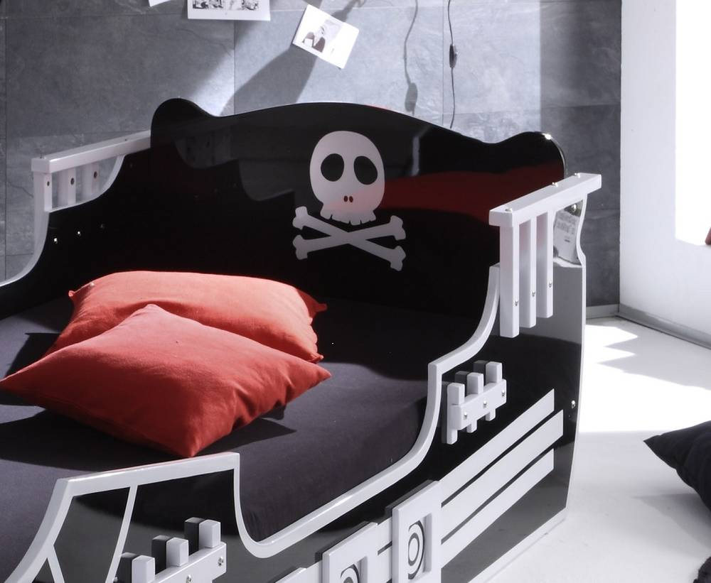 pirat kinderbett 90 x 200 cm schwarz wei. Black Bedroom Furniture Sets. Home Design Ideas