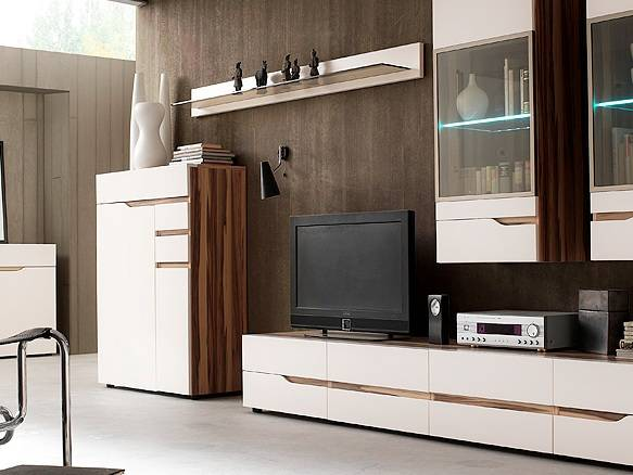 Moderne wohnwand seattle verschiedene for Wohnwand nussbaum poco