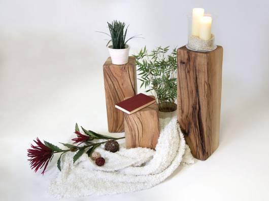 NELKE Hocker / Ständer / Holzbalken 60 cm mittel, Material Massivholz, Sumpfeiche