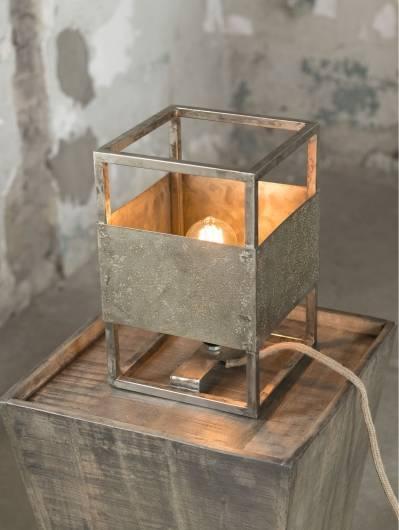 JAMES Tischlampe Metall verwittert Quadrat