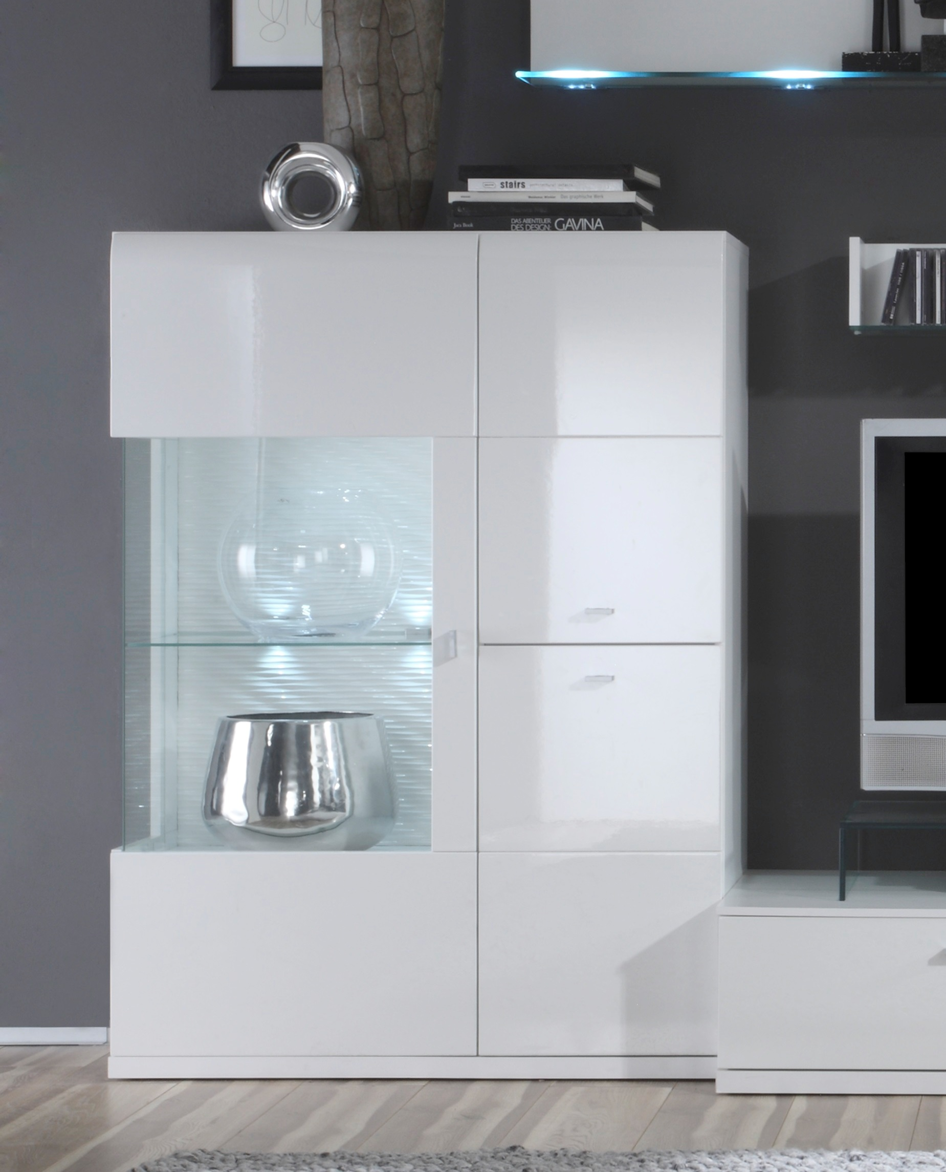 esszimmer vitrinen moderne vitrine aus eiche glas contract vitrina by hierve case esszimmer. Black Bedroom Furniture Sets. Home Design Ideas