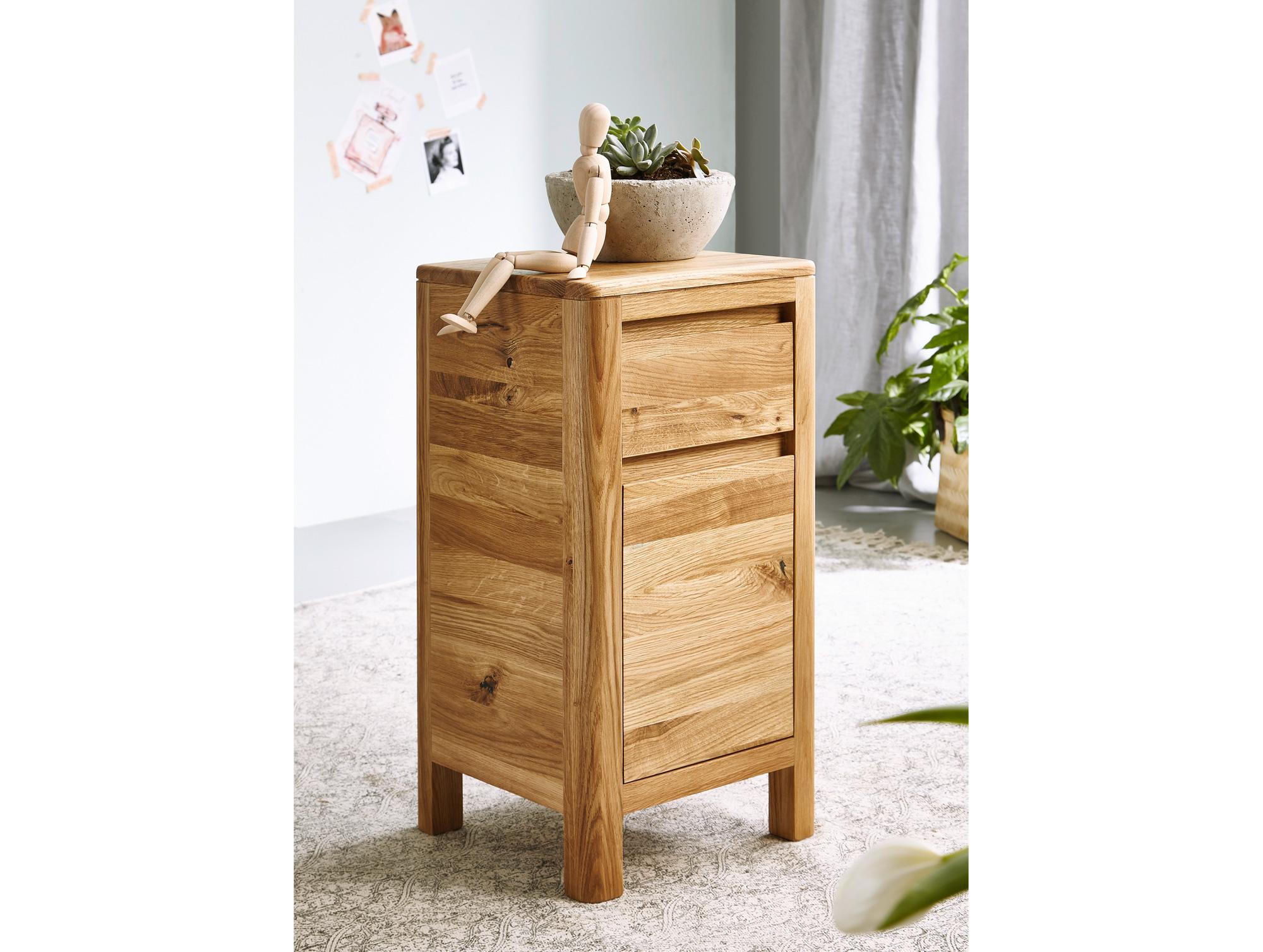 truhe wildeiche free blumentisch cm vollholz schublade quadratisch wildeiche massiv gelt u bild. Black Bedroom Furniture Sets. Home Design Ideas