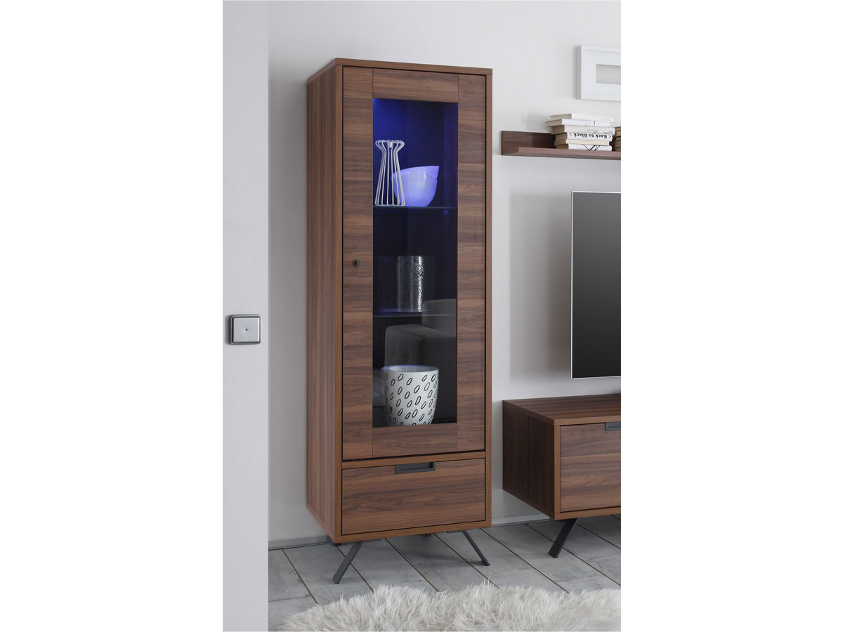 vitrine nussbaum g nstig kaufen. Black Bedroom Furniture Sets. Home Design Ideas