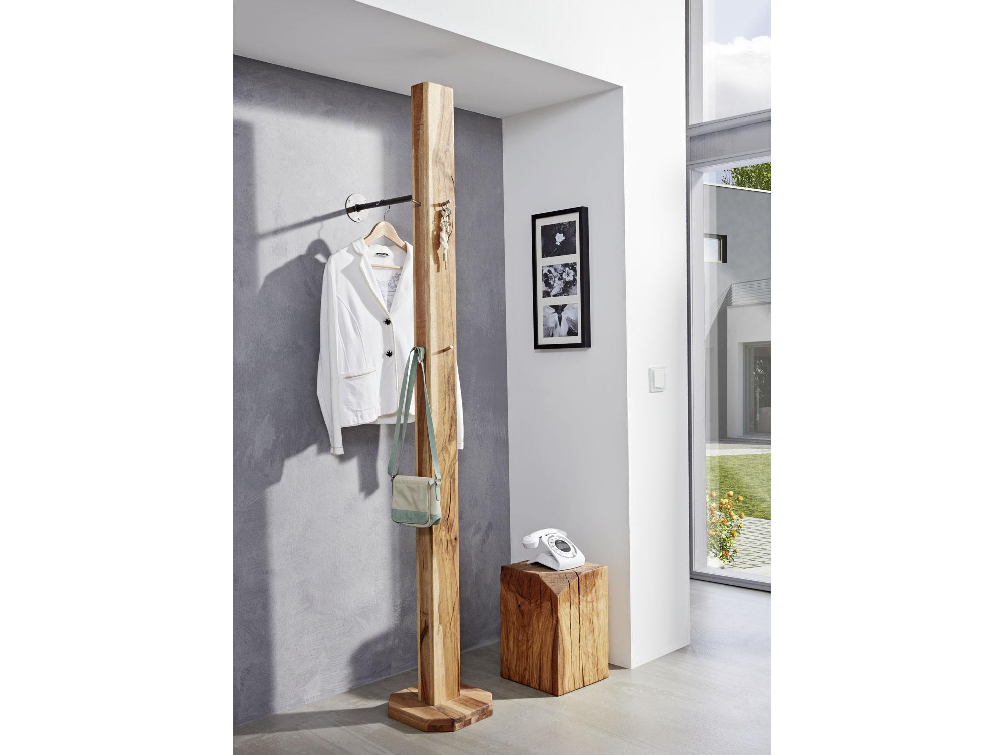 Rocky garderobe holzbalken zerreiche natur for Garderobe natur