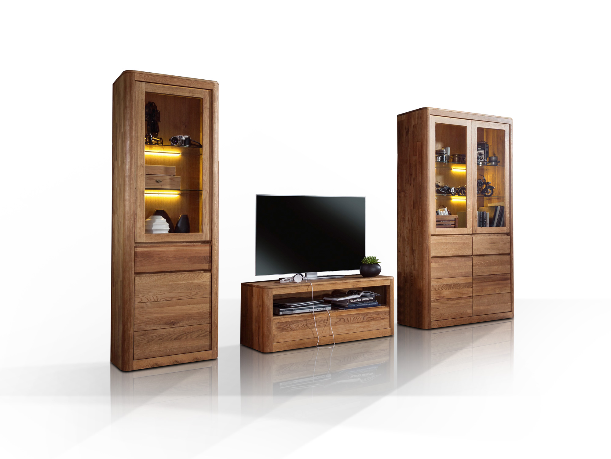 astoria ii wohnwand wildeiche massiv ge lt. Black Bedroom Furniture Sets. Home Design Ideas