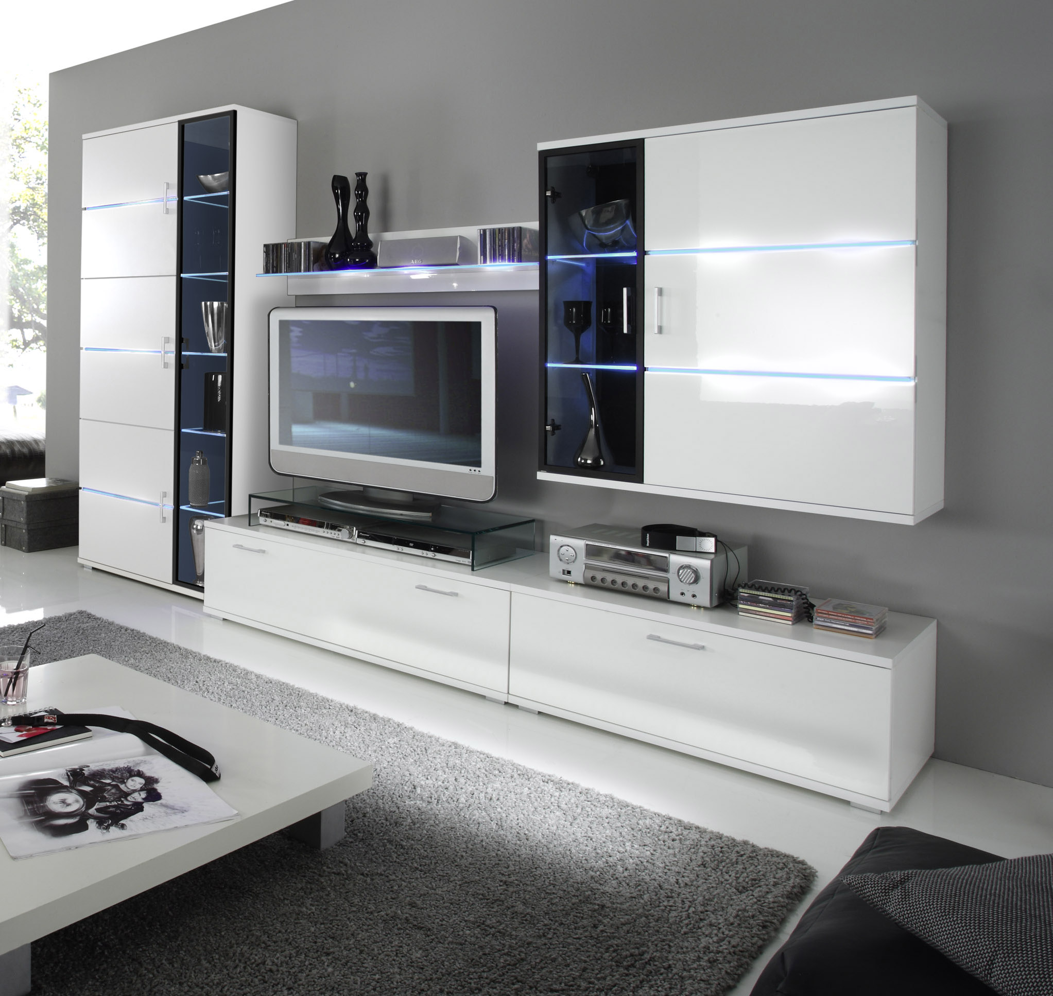 maya wohnwand 951 wei hochglanz preiswert. Black Bedroom Furniture Sets. Home Design Ideas