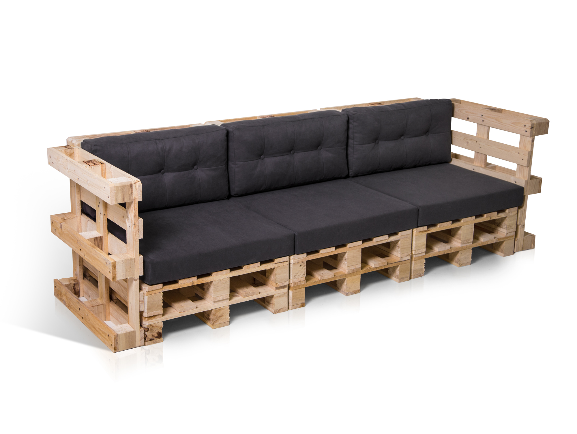 sofa aus paletten groes diy sofa aus paletten mit schwarz bezogenen matratzen mbel paletten. Black Bedroom Furniture Sets. Home Design Ideas