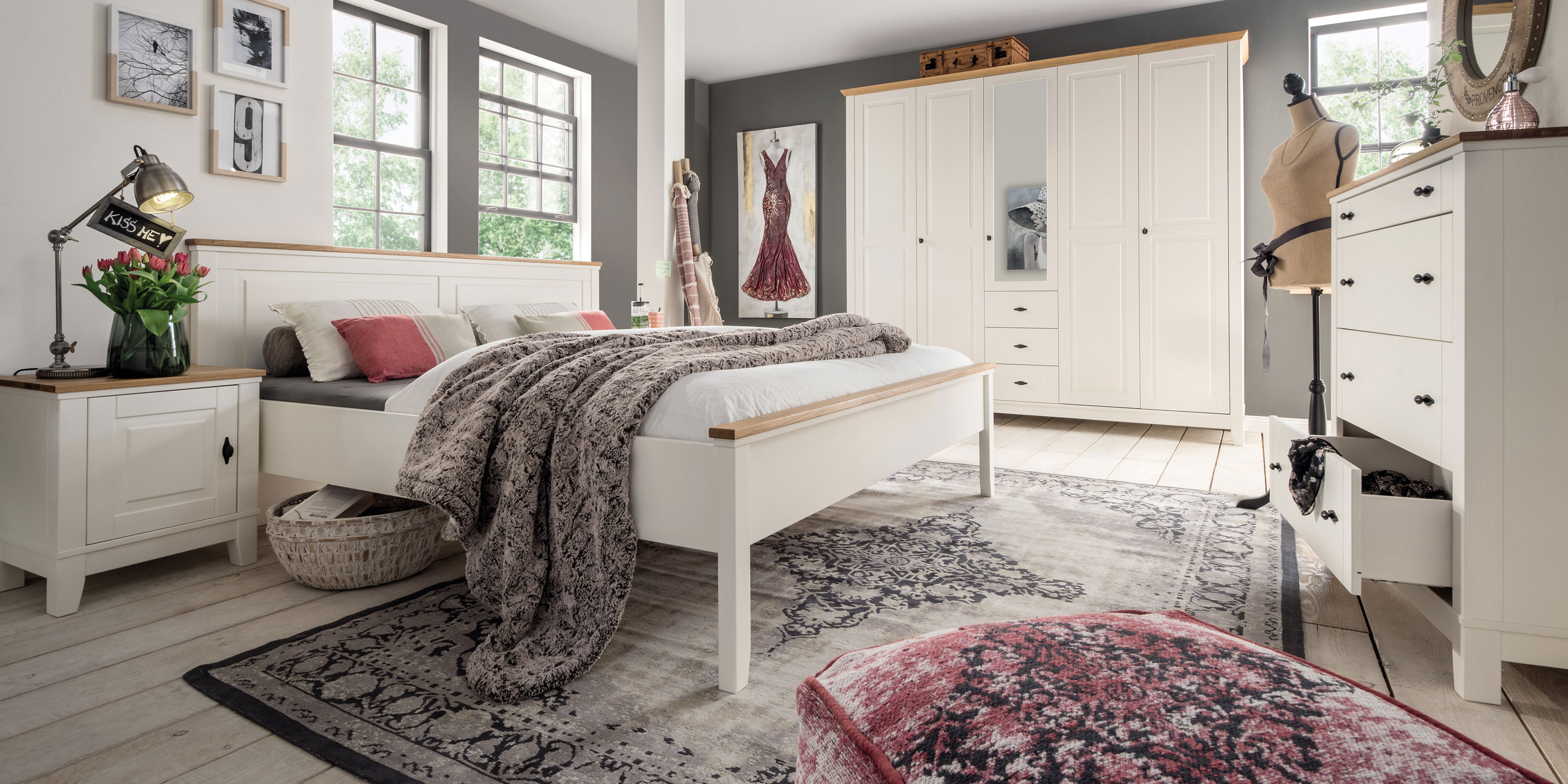 emilia nachtkommode kiefer creme eiche massiv. Black Bedroom Furniture Sets. Home Design Ideas
