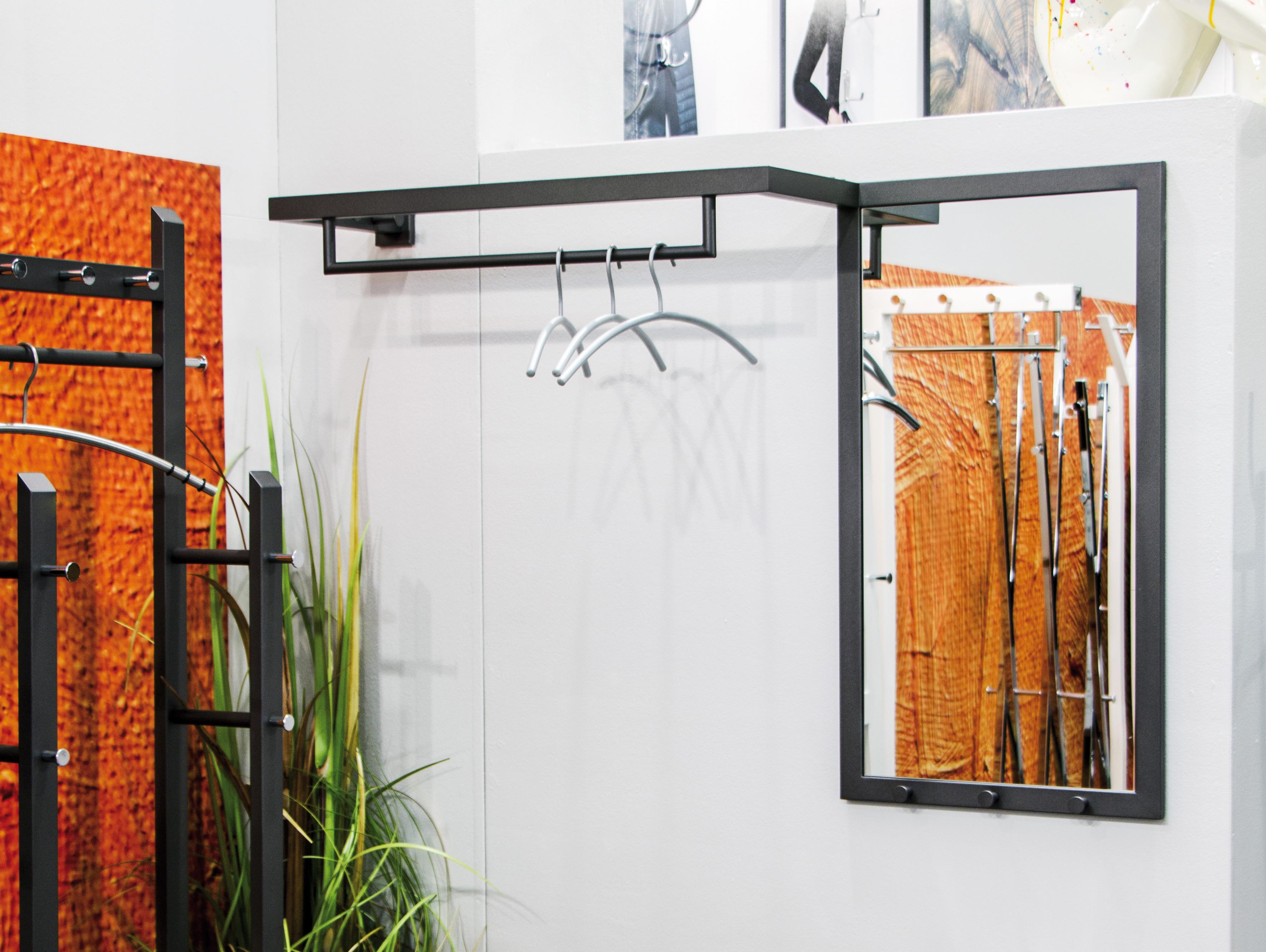 weldo wandgarderobe mit spiegel anthrazit. Black Bedroom Furniture Sets. Home Design Ideas