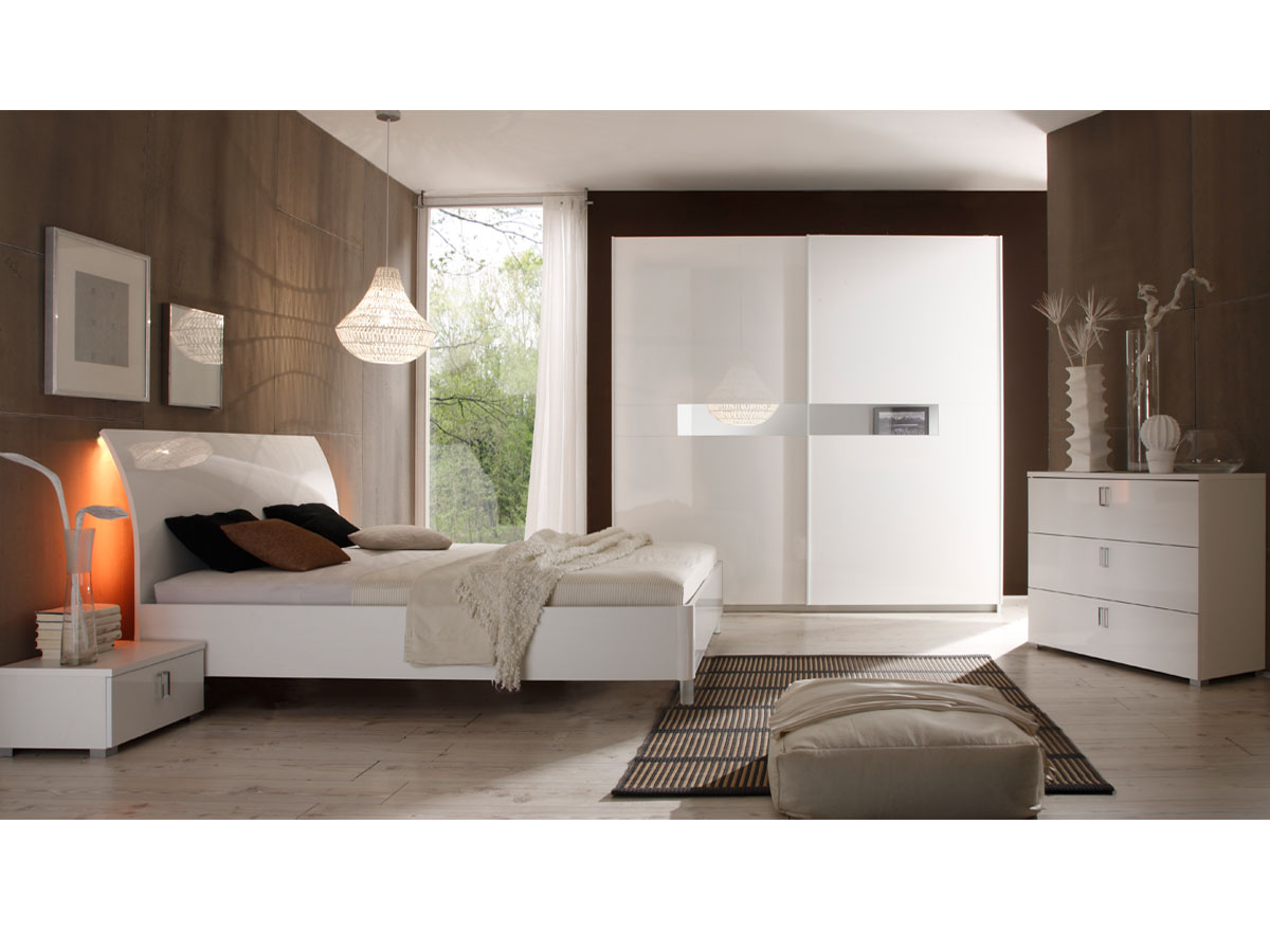 lydia schwebet renschrank mit spiegeleinsatz 240 cm. Black Bedroom Furniture Sets. Home Design Ideas