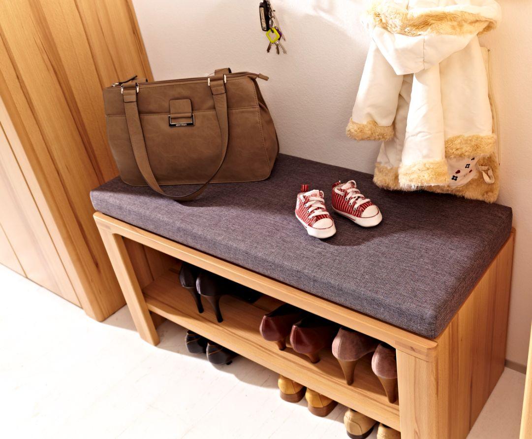 nestor plus bank mit kissen kernbuche lackiert. Black Bedroom Furniture Sets. Home Design Ideas